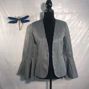 ⭐️⭐️3/$10⭐️Harlow and graham grey striped jacket